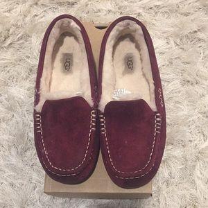 UGG Ansley Slippers size 9 Burgundy